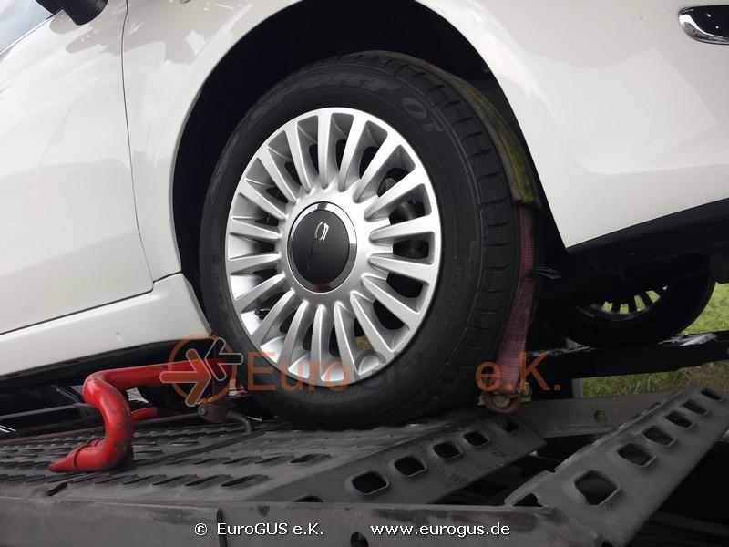 Фиат 500, крепление колеса на автовозе